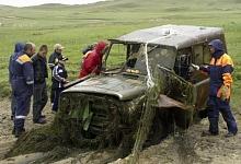 Водолазы подняли со дна Байкала 92 автомобиля и самолет